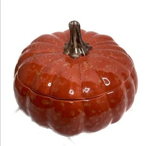 Large William Sonoma Pumpkin soup tureen bowl